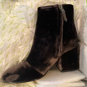 Sz 8 NEW Sam Edelman Dark Grey Velvet Bootie
